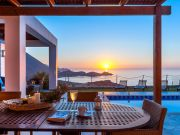 Ocean Luxury Villas in Creta, Rethymno, Bali