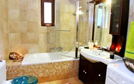 Beachfront Apartment, Agia Pelagia, bathroom 1b