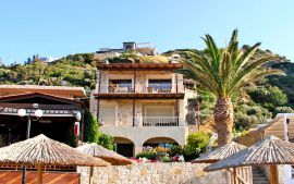 Beachfront Apartment, Agia Pelagia, exterior 2
