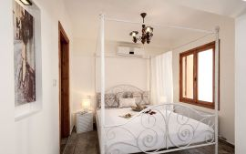 Splanzia Apartment, Chania town, bedroom 1c