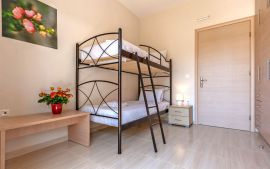 Stylish Apartment, Kalamaki, bedroom bunk beds 1