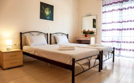 Stylish Apartment, Kalamaki, bedroom twin beds 1