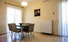 Stylish Apartment, Kalamaki, dining room 2