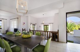 Iakinthi Villa, Σταυρός, open plan dining area 2