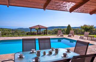 Die Athina Luxury Villas Sind Drei 2  Und 3 Schlafzimmer Luxusvillen Mit  Meerblick Im Dorf Xamoudochori, 9 Km Westlich Von Platanias Und 23 Km Von  Chania ...