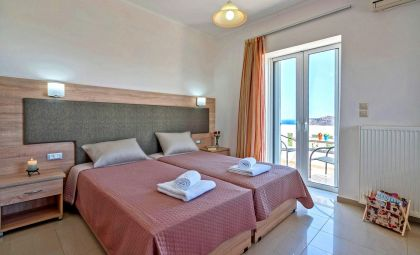 Villa Grigoria, Agia Marina, bedroom twin top floor 1