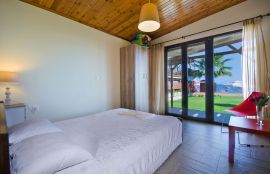 Seafront House, Agia Marina, bedroom double i