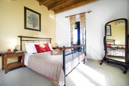 Charming Villa, Platanias, master bedroom