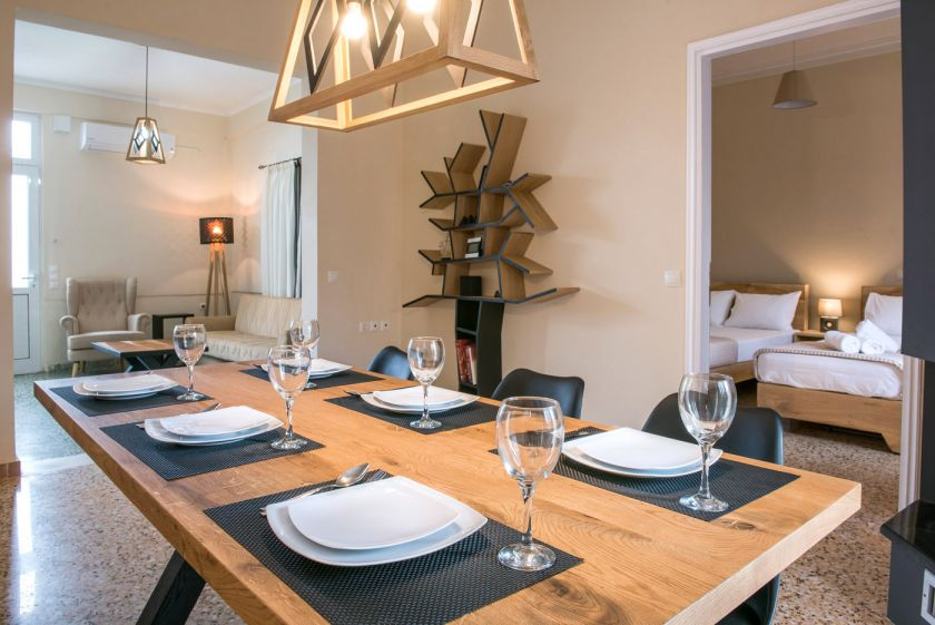 Modern City Apartment, Chania, diningroom1
