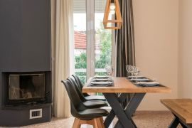 Modern City Apartment, Chania, diningroom4