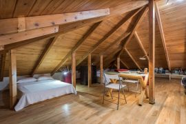 Wooden Art Apartment, Chania town, loft3