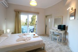 Regina Hotel, Kissamos, mountain view double bed room 2