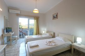 Regina Hotel, Kissamos, mountain view twin bed room 1