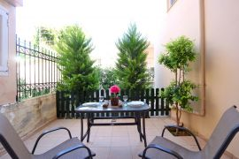 Cheerful Apartment, Chania town, private veranda 1