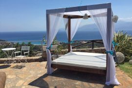 Villa Blue Miracle, Agios Nikolaos, courtyard wedding preparations