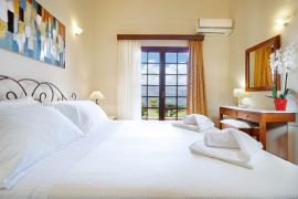 Villa Thealassa, Pithari, bedroom double 3a