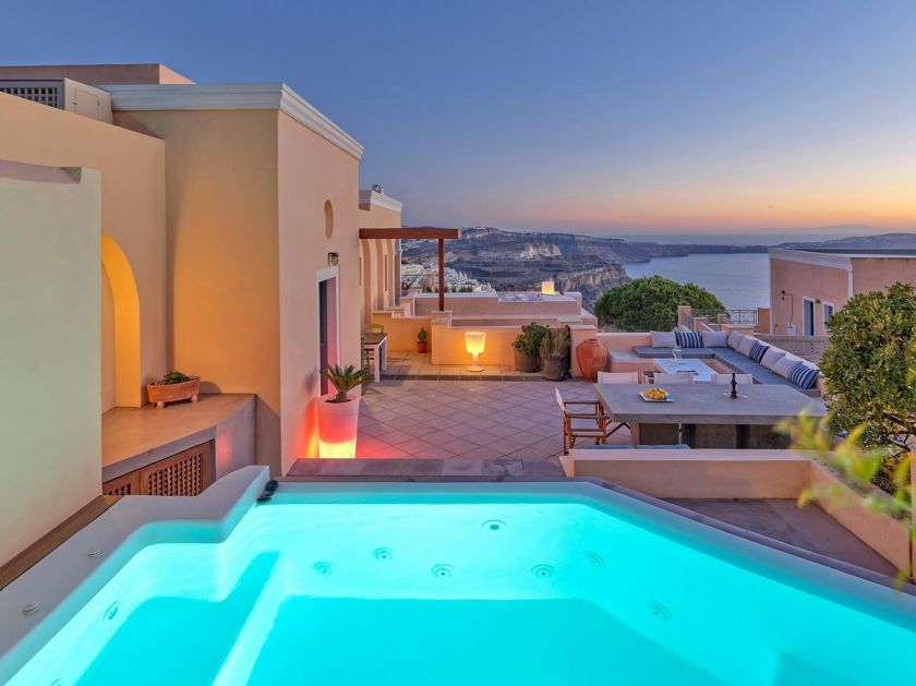 Archipel Mansion, Fira, jacuzzi night view
