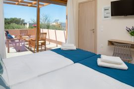 Villa Theasis, Agia Marina, twin bedroom 3b