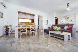 Golden Sea Villa, Σταυρός, upper floor open plan 1a