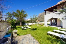 Golden Sea Villa, Stavros, courtyard 2b