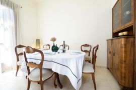 Metropolis House, Chania town, dining area
