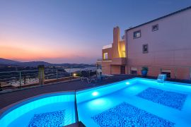 Villa Sunny Dreams, Agia Pelagia, pool area night 2