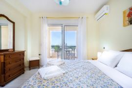 Spacious Villa, Agios Onoufrios, bedroom double middle floor 3b
