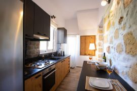Comfy Apartment, Chania town, fully equipped kitchen 1b